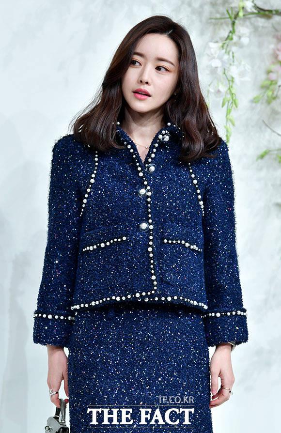 배우 홍수아는 류현진을 향해 아들 딸 낳고 행복하게 잘 살아라라고 메시지를 전했다. /이덕인 기자