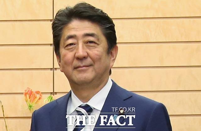 아베 신조(安倍晋三) 일본 총리는 12일 합의는 국가와 국가 간 약속으로, (한국의 새 방침은) 절대 수용할 수 없다는 입장을 밝혔다. /이새롬 기자