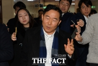 [TF포토] 취재진에 둘러싸인 '중재파 황주홍 의원'