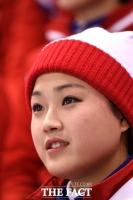 [TF포토] 남북 단일팀 한일전 응원 나선 북한 응원단