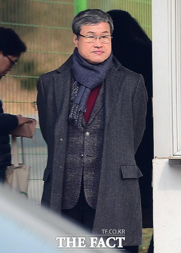 서울구치소를 찾은 이정국 정강 전무이사. 이 전무이사는 사실상 우병우 집안의 집사 역할을 해오고 있다. /임세준 기자