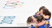 [TF포토] '영국 꺾은 스웨덴, 올림픽 첫 출전 한국과 결승서 붙는다'