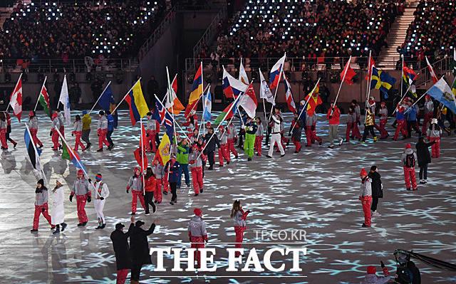 2018 평창동계올림픽 폐회식이 25일 오후 8시 강원도 평창 올림픽스타디움에서 열려 17일간의 여정을 마무리하고 대단원의 막을 내리고 있다. /임영무·남윤호기자