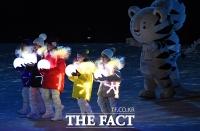 [TF포토] 대단원의 막 내리는 '평창올림픽 폐회식'