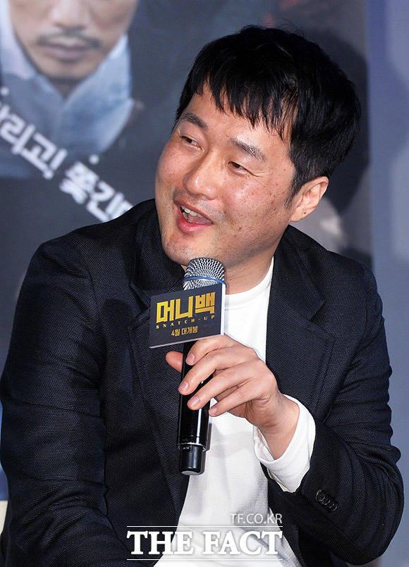 감독 허준형