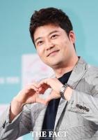 [TF포토] '사랑꾼' 전현무, '그녀에게 보내는 마음~'