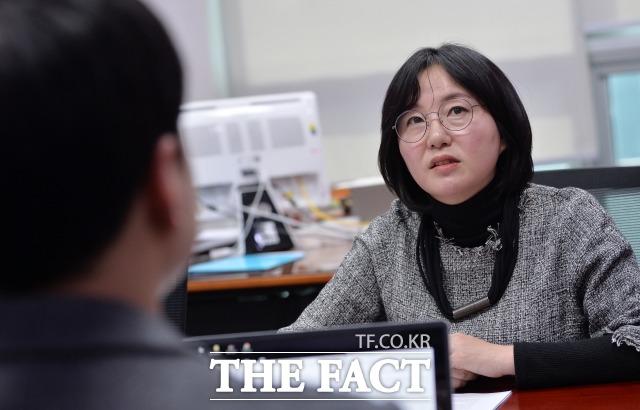 제윤경 의원은 얼마 전 민주당 사천 남해 하동 지역위원장을 맡았다. 이곳은 민주당에 대한 지지가 상대적으로 적어 어려운 지역으로 꼽힌다. /문병희 기자