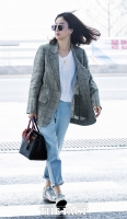 [TF포토] 정려원, '패션피플'의 눈부신 출국길