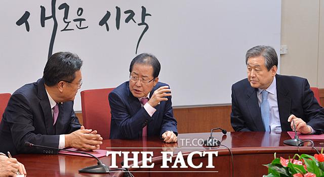 한 한국당 중진 의원은 (홍 대표가) 공정한 절차에 의해서가 아니라 친소 관계에 따라 (공천을) 하는 것에 대한 우려들을 많이 한다고 전했다. /문병희 기자