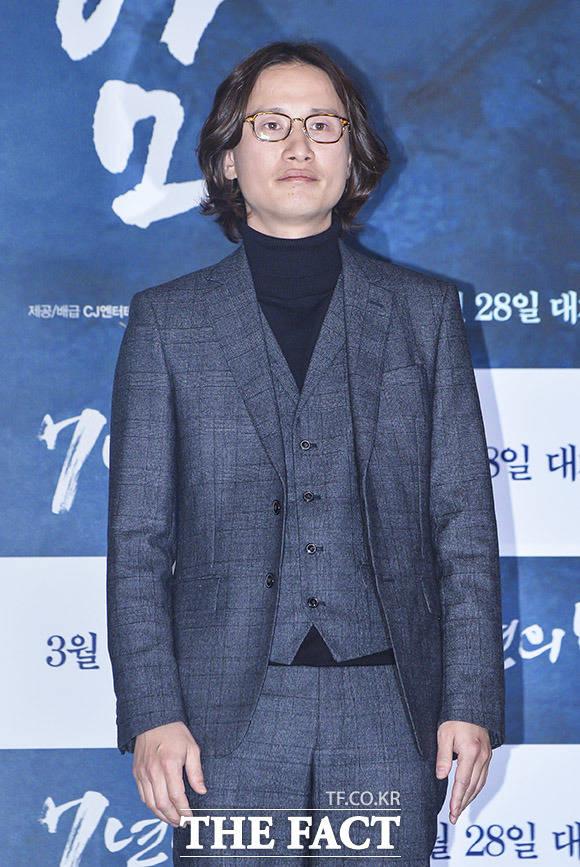 배우 송새벽이 21일 오후 서울 CGV 용산점에서 열린 영화 7년의 밤 언론시사회에 참석해 포토타임을 갖고 있다. /이동률 인턴기자