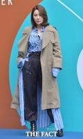 [TF포토] 길건, '트렌치코트로 완성된 봄 패션'
