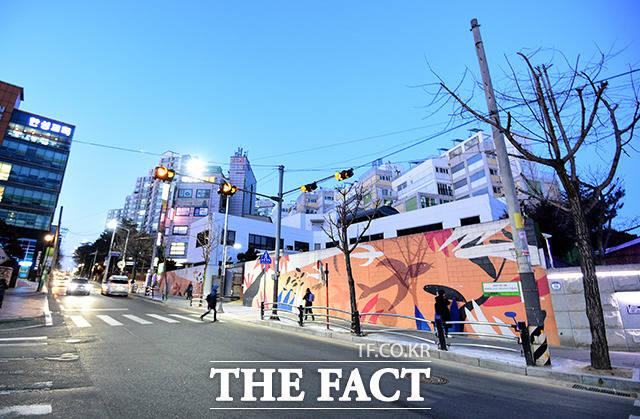 서울 양천구에 위치한 서울지방경찰청 보안수사3대 또한 일반 아파트에 둘러싸여 있다.
