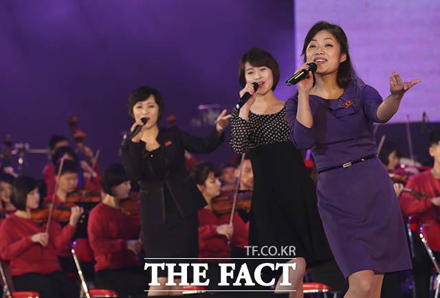 리허설하는 북한 삼지연관현악단
