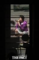 [단독포착] 검찰 조사 거부...자택서 끼니 챙기는 김윤옥 여사