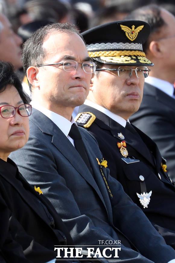 문무일 검찰총장(왼쪽)과 박경민 해양경찰청장