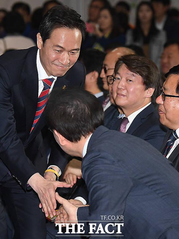 우상호 더불어민주당 서울시장 예비후보(왼쪽)와 박원순 시장.