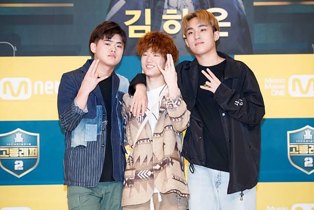 이병재(왼쪽부터), 김하온, 이로한이 나란히 포즈를 취하고 있다. 이들은 고등래퍼2 출연으로 좋은 동료, 친구를 만나게 돼 행복하다고 소감을 말하기도 했다./Mnet 제공