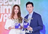 [TF포토] 권율-김효진, '화분이 시샘할만한 선남선녀'
