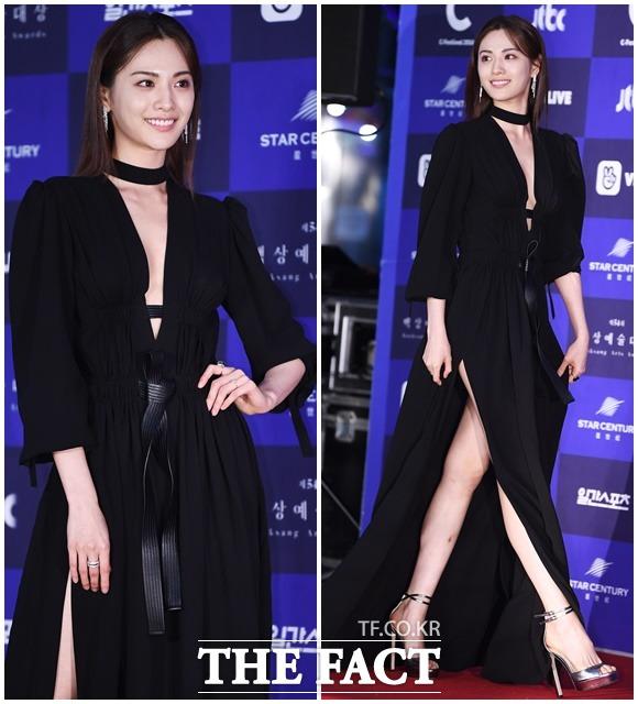 제54회 백상예술대상 시상식이 3일 오후 서울 강남구 코엑스 D홀에서 열린 가운데 배우 나나가 포토타임을 갖고 있다. / 배정한 기자