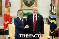 [TF포토] 문재인-트럼프, '북미회담 차질없이 진행한다'