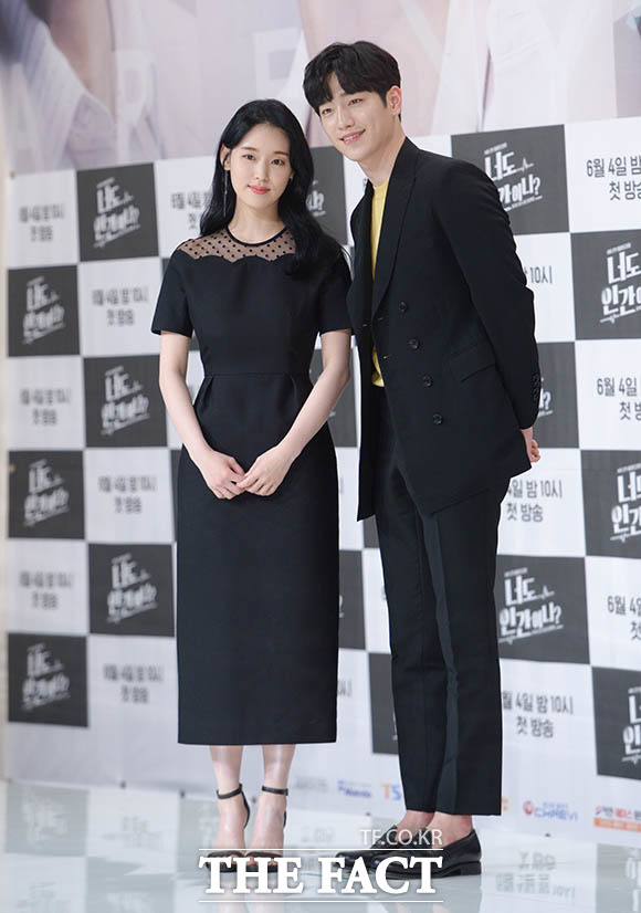 배우 박환희(왼쪽)와 서강준