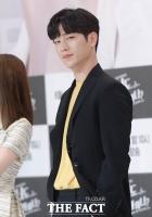 [TF포토] '얼굴 천재' 서강준, '잘생김의 교과서'