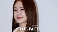 [TF포토] 이요원 '나이를 잊은 역주행 동안 미모'