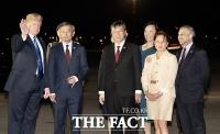 [TF포토] '세기의 담판이 성큼!'…싱가포르 도착한 트럼프 대통령