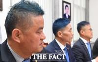 [TF포토] '파란 머리' 공약 지킨 민주당 의원들