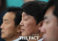 [TF포토] 안철수, '멀고 먼 새정치의 길'