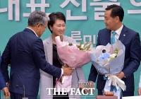 [TF주간政談] 원내대표 '낙선' 이언주, 사진 찍기 싫은 '속사정'