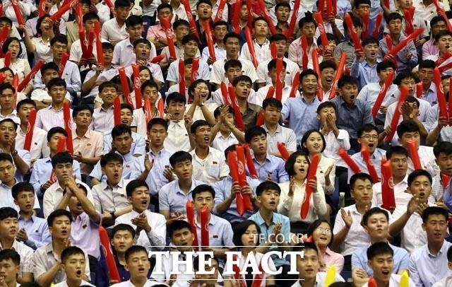 평양 시민들의 열띤 응원
