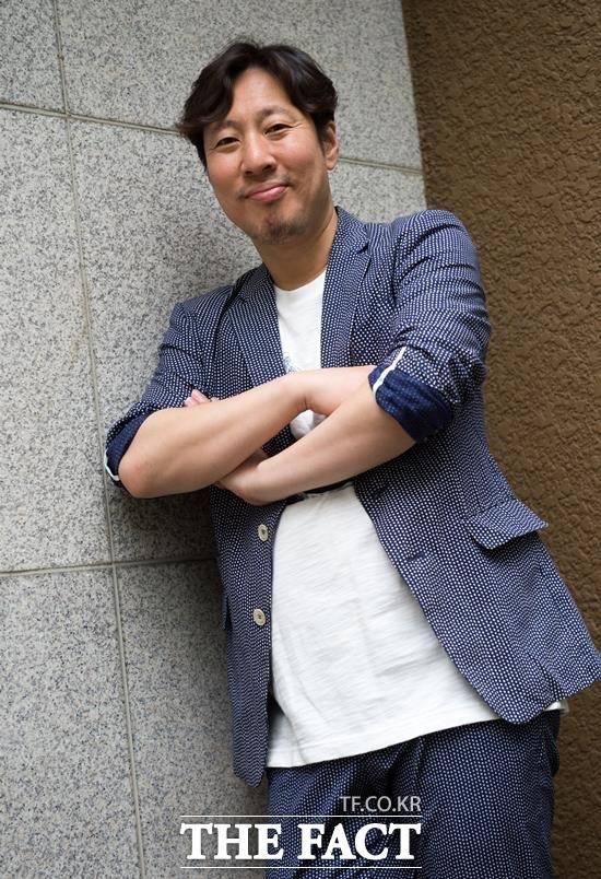 이제 이문세 형님과는 뗄 수 없는 트윈이죠. 김정훈은  JTBC 히든싱어에서 가수 이문세 싱크로율 100%를 보여주며 닮은꼴 스타로 거듭났다. /김세정 기자