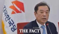 [TF주간政談] '친절한' 김병준 비대위원장, 자택 앞 취재진에 '문자'