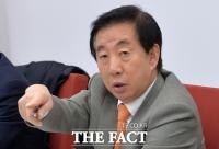 [이철영의 정사신] 김성태 '성 정체성' 지적, 이명박·박근혜의 군 통수권은?