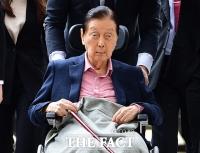 [TF포토] 항소심 출석하는 신격호 회장