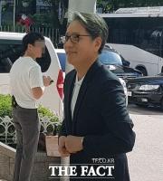 [TF현장] '혐의 부인' 담철곤 오리온 회장, 경찰 출석에도 '여유' (영상)