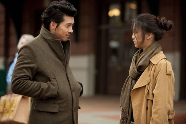 만추는 김태용 감독이 연출을 맡았다. 김태용 감독은 이 작품에서 만난 탕웨이와 재혼했다. /영화 만추 스틸