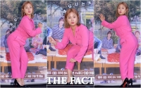 [TF포토] 박나래, '뼈그맨'의 치명적인 포토타임