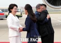[평양회담] 문재인-김정은, '따뜻한 포옹'