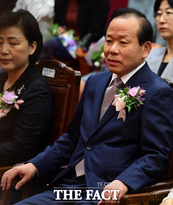 퇴임하는 김이수 헌법재판관