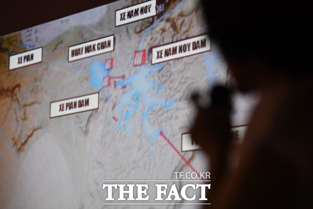 피해 발생 지역 세부 설명하는 쁘렘루디 다오롱