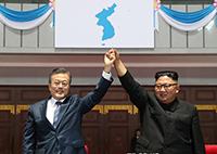 [TF영상] '다시 본 남북정상회담' 문재인-김정은의 '달달한 브로맨스'