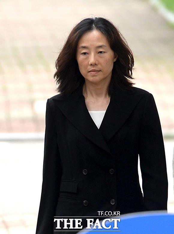 조윤선 전 장관이 지난해 7월 27일 1심 선고 공판에서 집행유예로 출소할 당시 모습. /임세준 기자