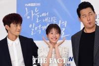 [TF사진관] 서인국-박성웅, '정소민에게 외모 몰아주기'