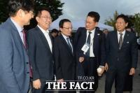 [TF포토] '10.4 남북공동선언 기념행사 참석하는 방북단'