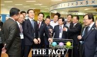 [TF사진관] '북한의 첨단 과학' 평양 과학기술전당 공개
