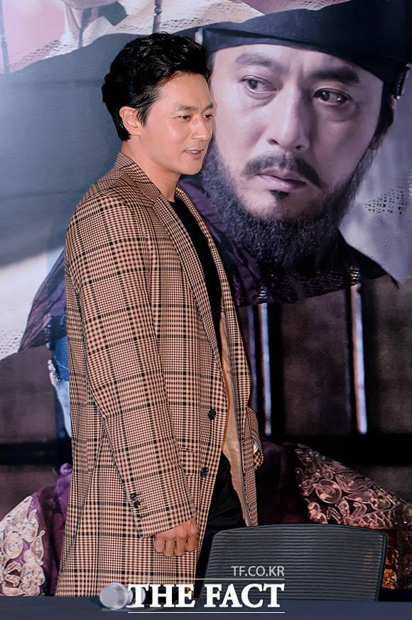 야귀를 이용하는 조선의 절대악, 김자준 역의 배우 장동건