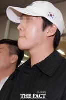 [TF포토] '구하라 전 남친' 최종범…영장실질심사 마치고, '초조'