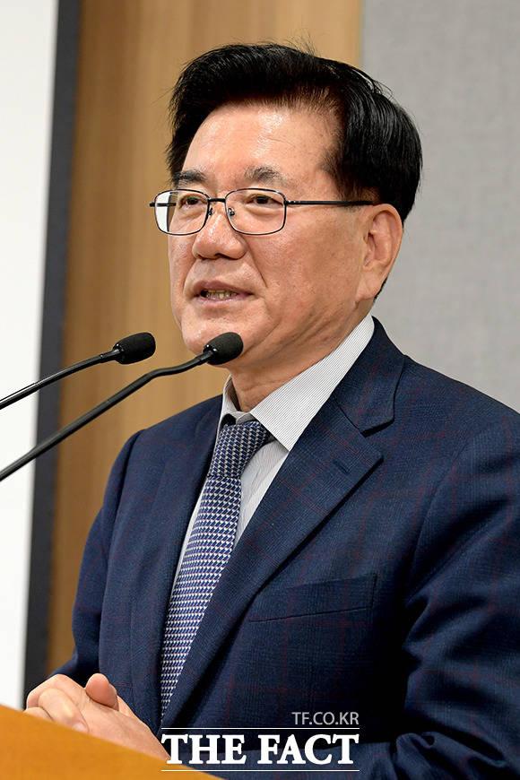 9개 자치구청장 대표로 소감 밝히는 유덕열 동대문구청장